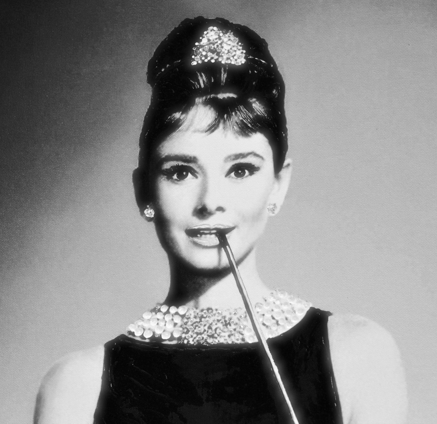 the forever beauty of audurey hepburn The beauty of a woman is not in a facial mode but the true beauty in a woman is reflected in her soul audrey hepburn quotes from brainyquotecom.