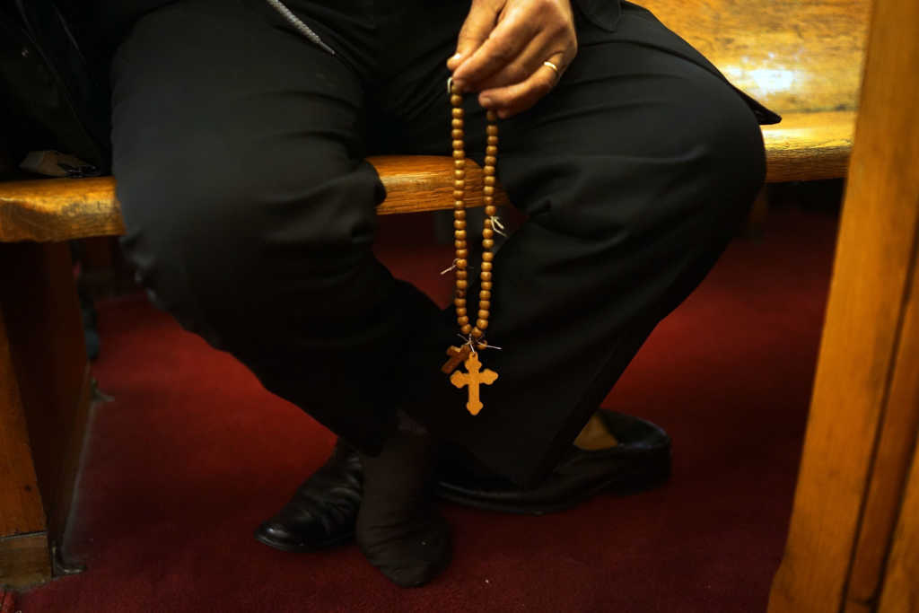 4 Ways to Pray for Persecuted Christians