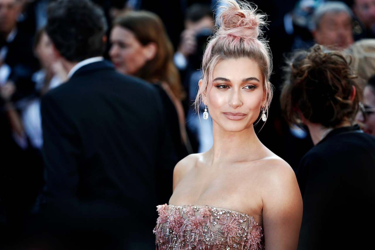 I Tried Hailey Bieber's New Makeup Routine, Here Are the Results