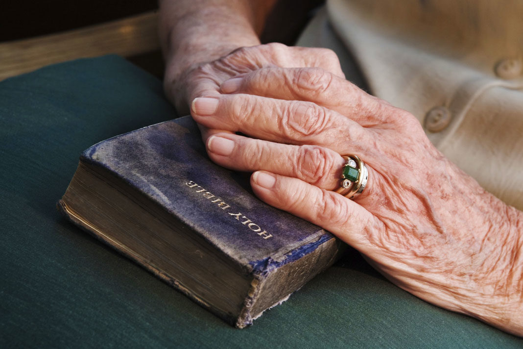 92-Year-Old Grandma Rebukes Robber, Shares Word of God and Survives After Assailant Is Brought to Tears