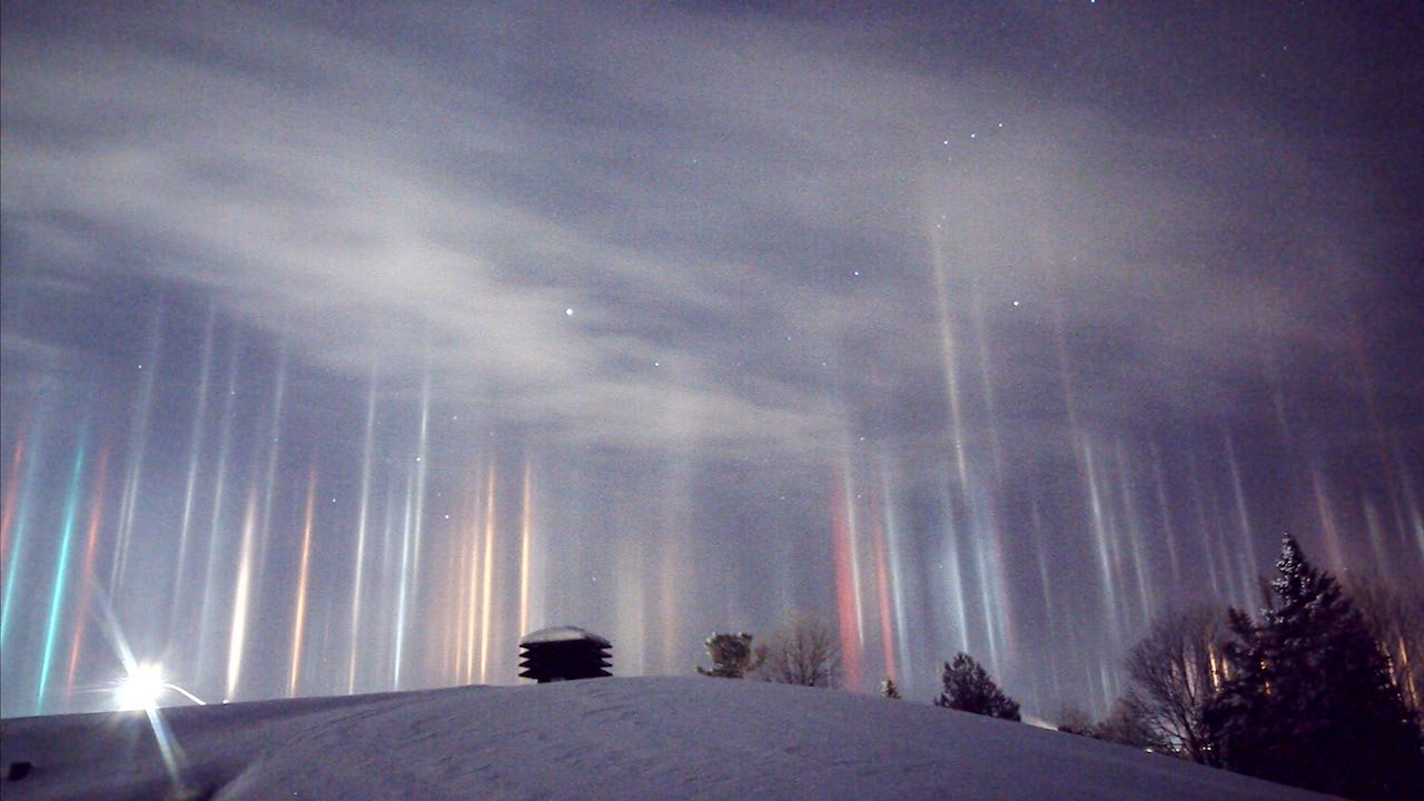 Is This Heaven? Man Captures Breathtaking Images of Light Pillars Dancing in the Sky
