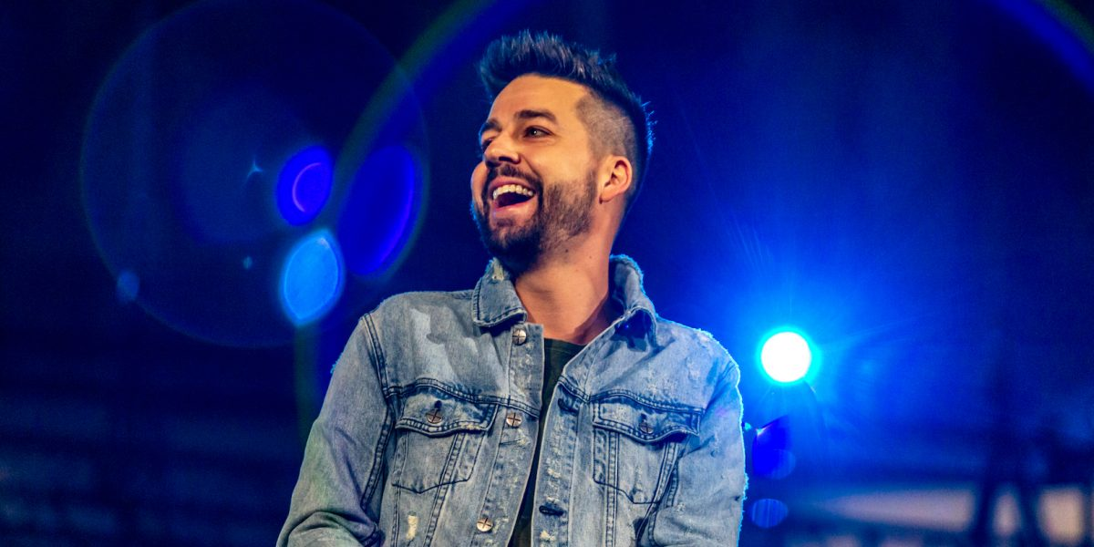 Christian Comedian John Crist Admits to Inappropriate Sexual Relationships, Addictions and Publicly Repents