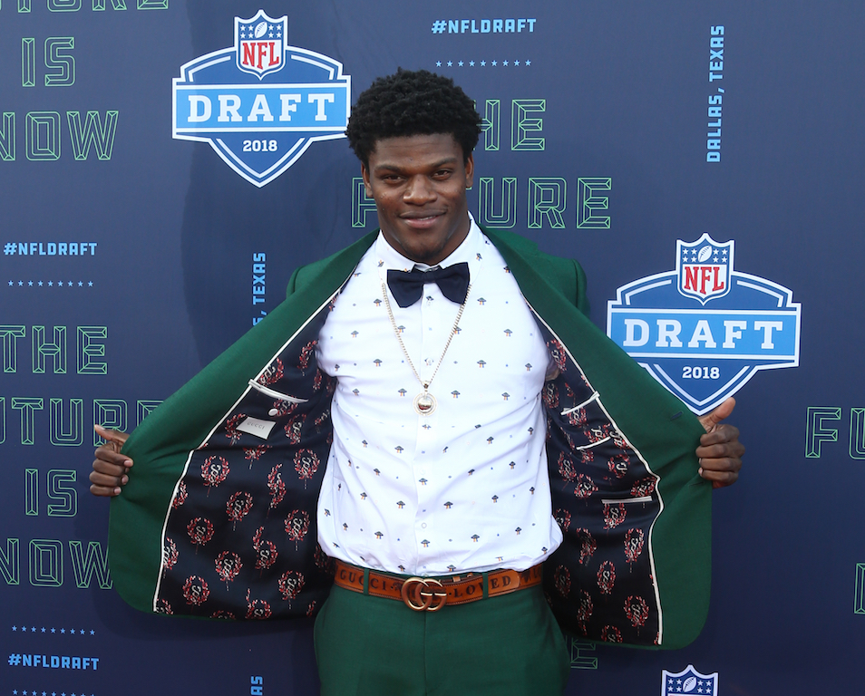 Nfl MVP Frontrunner Lamar Jackson Loudly Praises God During Press Conference